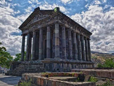 Армения от языческих храмов до снежных хребтов