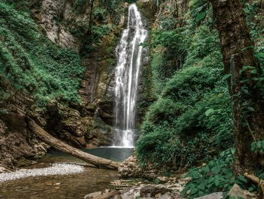 К сказочным водопадам Ажек