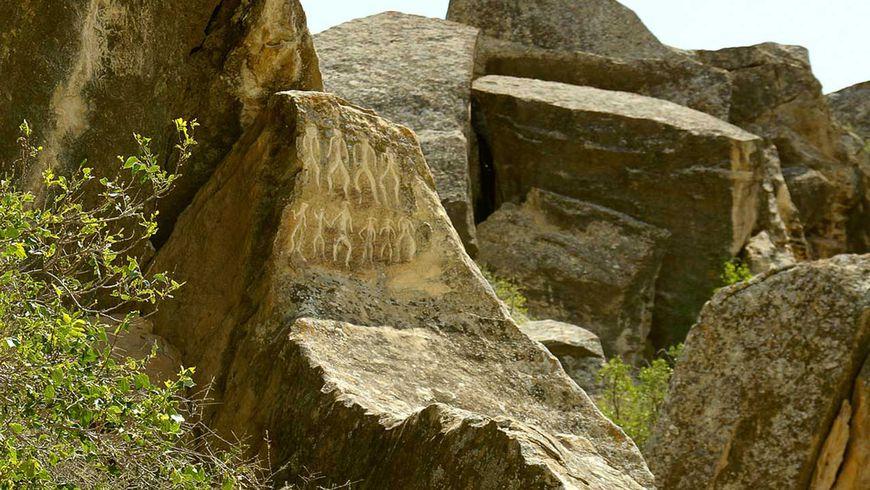 ОтОгненной горы доГобустана: 40веков за8часов