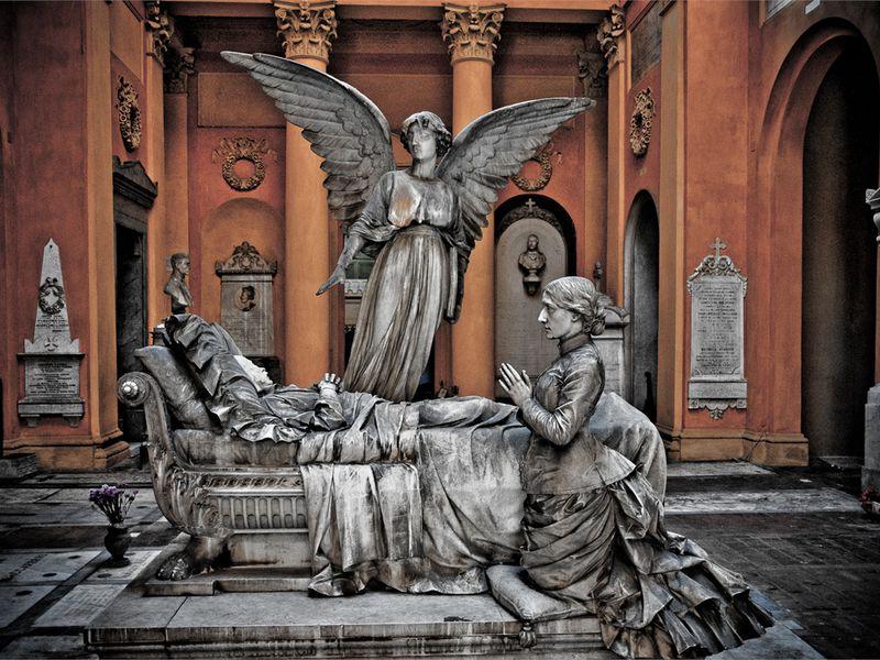 Экскурсия Чертоза диБолонья: секреты знаменитого кладбища