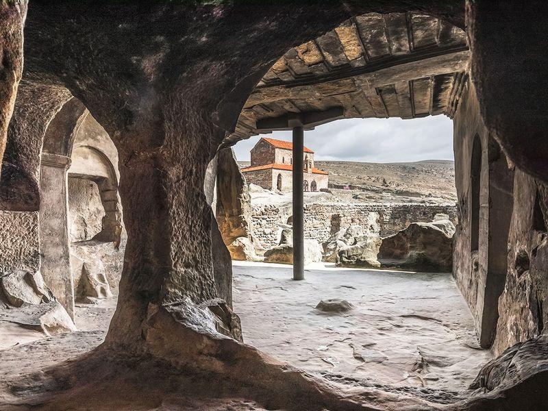 Экскурсия Древность в камне — Храмы Мцхеты и пещеры Уплисцихе
