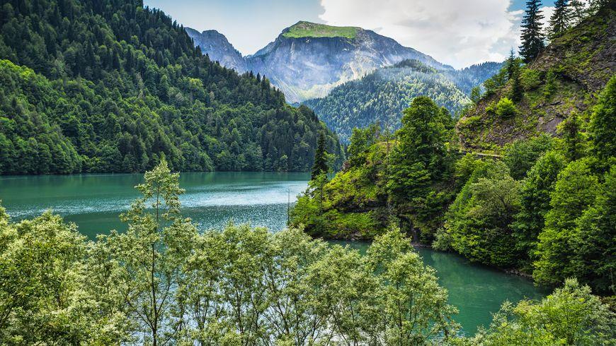Экскурсия из Сочи: Здравствуй, Абхазия!