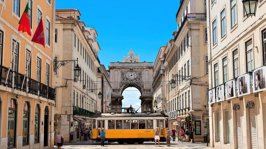 Дух районов старого Лиссабона