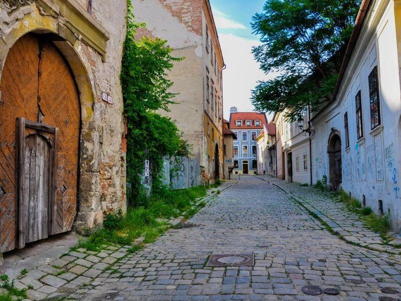 Экскурсия Страшные тайны и удивительные легенды Братиславы