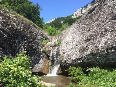 Затерянный мир у водопада Джурла