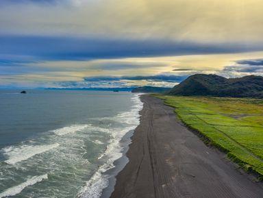 Халактырский пляж: закат у Тихого океана