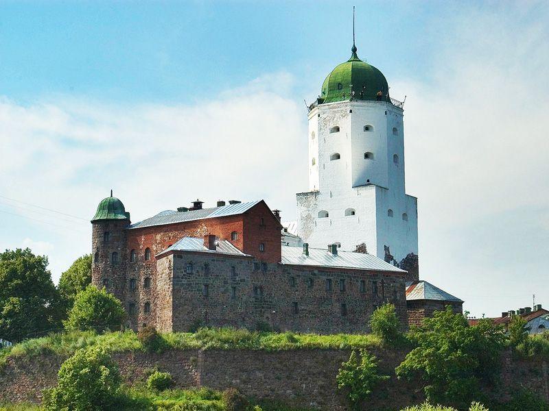 Экскурсия ИзПетербурга вВыборг: поездка скраеведом