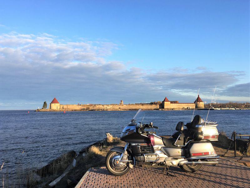 Экскурсия Поездка на мотоциклах в Кронштадт+Петергоф или крепость Орешек
