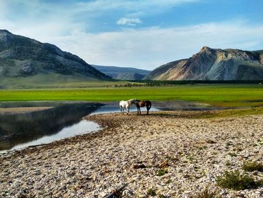 Неизведанный Байкал: водно-пешеходное путешествие к мысу Зундук