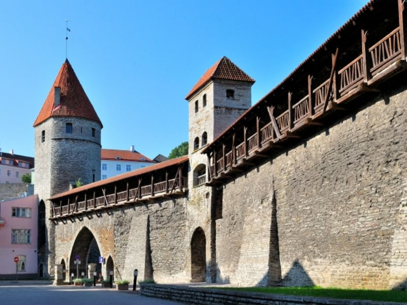 Экскурсия Прогулка вдоль крепостной стены
