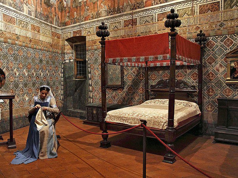 Экскурсия Дворец Даванцати: обыте вСредние века