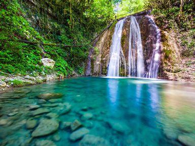 Долина легенд: 33 водопада и адыгейское шоу