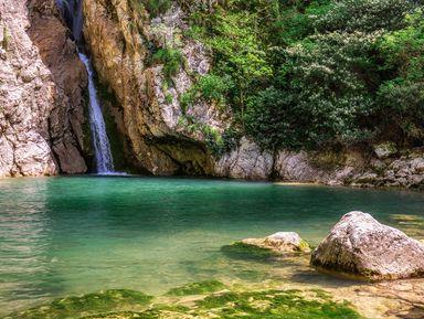 Водопады, реки иисточники— джип-тур поокрестностям Сочи