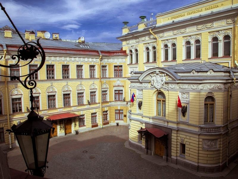 Экскурсия Нетривиальный Петербург: покрышам, дворам-колодцам,паркам иканалам