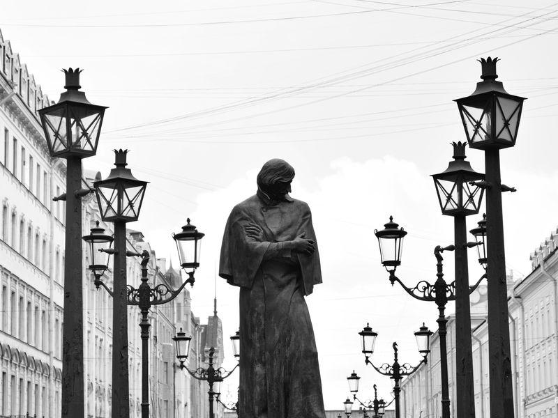 Экскурсия Большая и Малая Конюшенные: прогулка по старинным улицам
