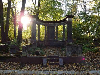 Смоленское кладбище ичасовня Ксении Петербургской