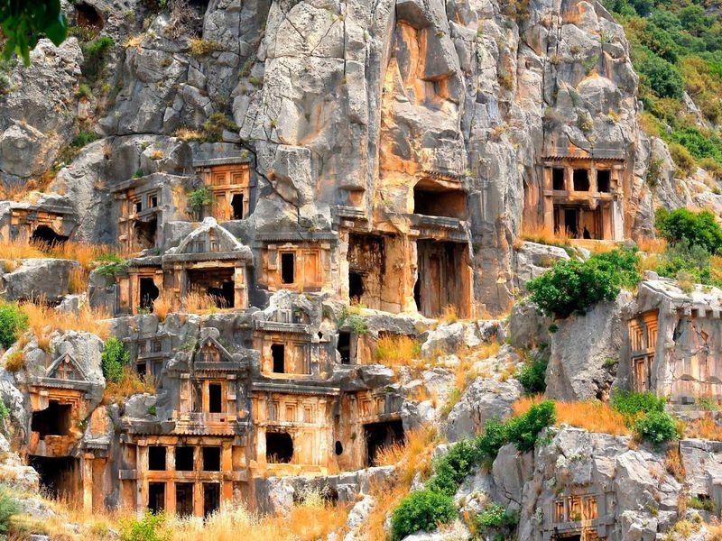 Экскурсия Из Антальи — в античный город Мира и храм Николая Чудотворца
