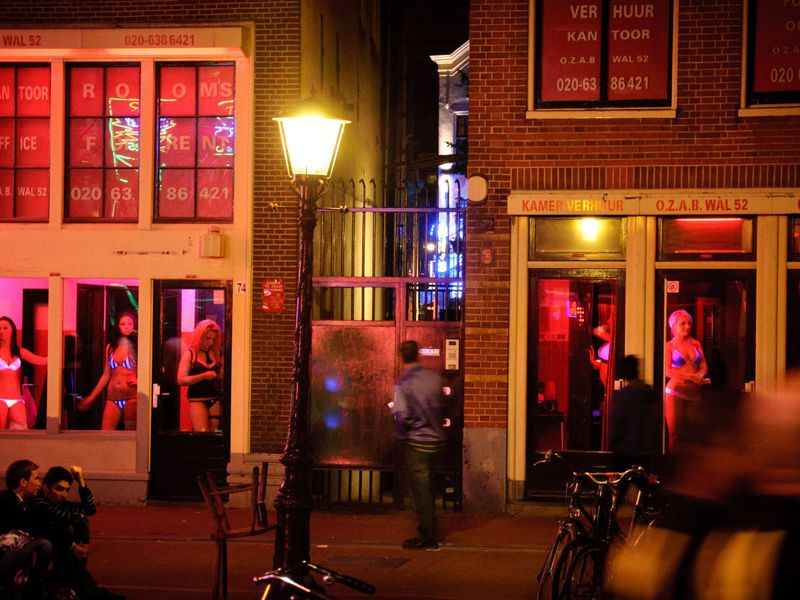 Фото «Реальная» любовь: прогулка по Кварталу красных фонарей