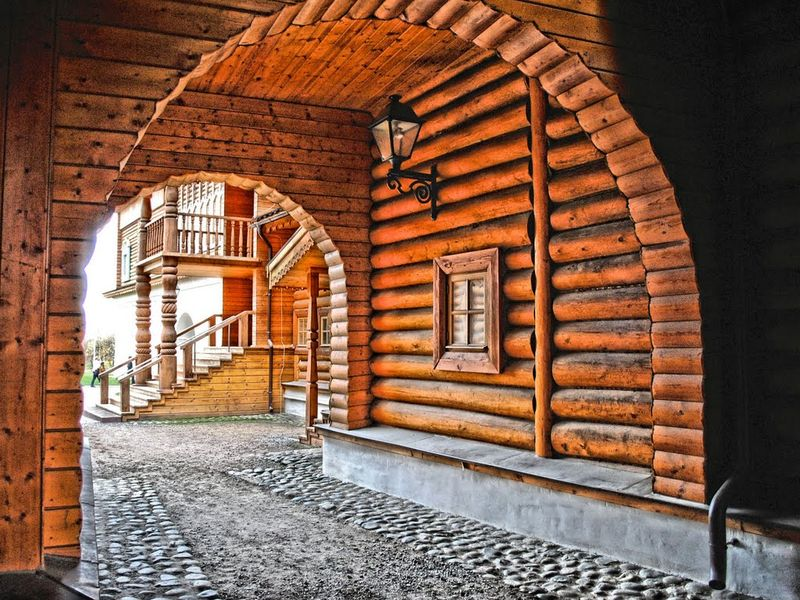 В гостях у царя Алексея Михайловича в Коломенском