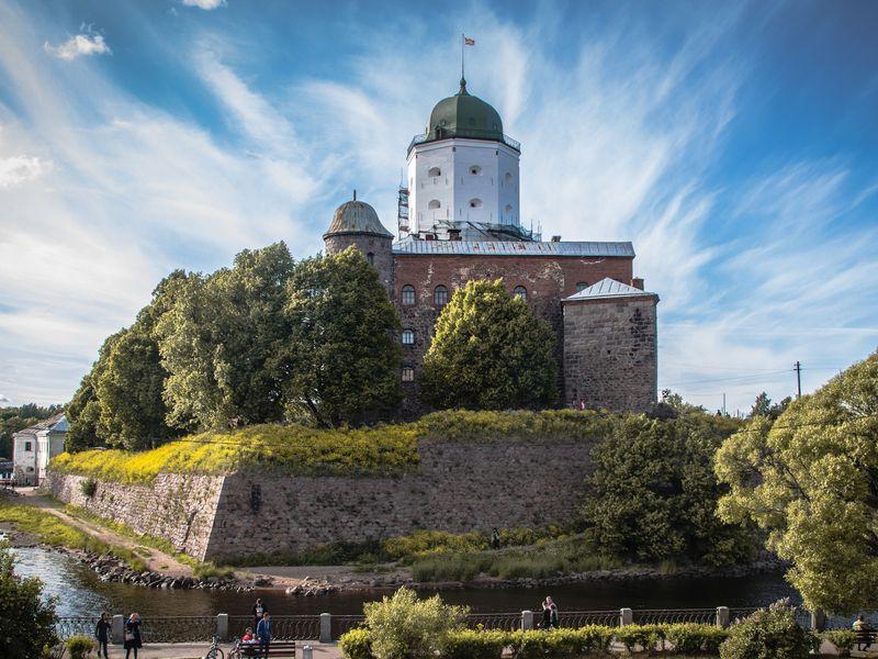 Экскурсия ИзПетербурга— всредневековый Выборг