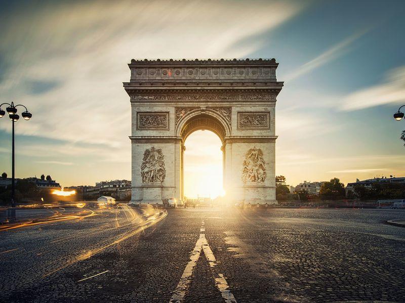 Экскурсия Трансфер + экскурсия по главным местам Парижа