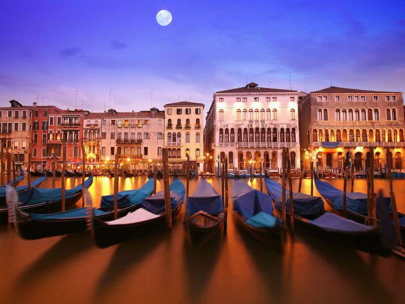 Экскурсия Ночная Венеция: пешком и по воде в компании коренного венецианца