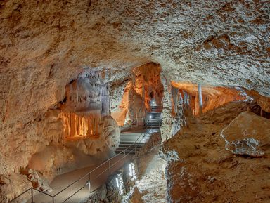 Пещеры Чатыр-Дага: автобусная экскурсия