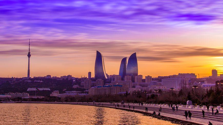 Вечерняя прогулка «Огни Баку»